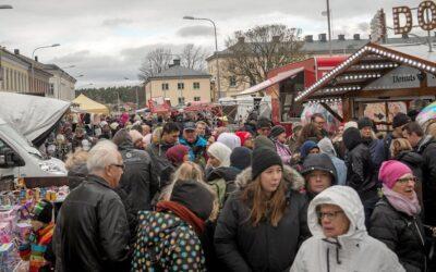 Oktobermarknad ersätts av trevlig Höstyra i Vänersborg